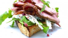 Tricks to Make a Deli-style Roast Beef Sandwich at Home - DeliMenuPrices